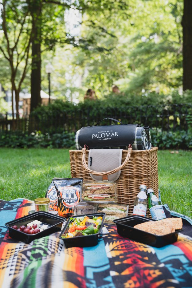 picnic basket from palomar picni